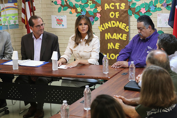 Southern USA「First Lady Melania Trump Visits Immigrant Detention Center On U.S. Border」:写真・画像(7)[壁紙.com]