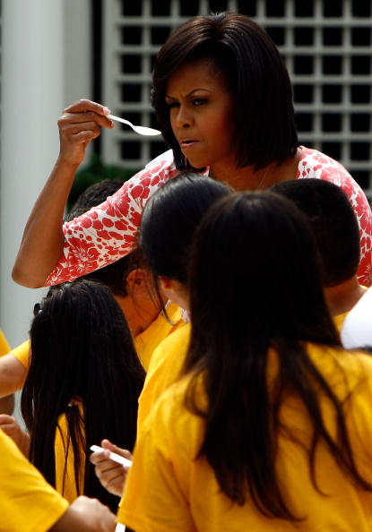 Salad「First Lady Michelle Obama Holds Food And Nutrition Event In WH Garden」:写真・画像(3)[壁紙.com]