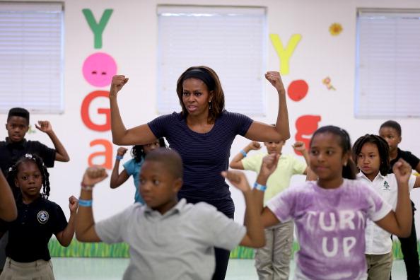 リラクゼーション「Michelle Obama Visits Miami Parks For 'Let's Move' Event」:写真・画像(12)[壁紙.com]