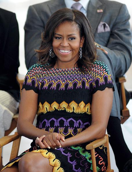 カメラ目線「First Lady Michelle Obama Leads The Presidential Delegation At The Milan Expo 2015」:写真・画像(8)[壁紙.com]