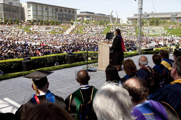 David Paul Morris「First Lady Michelle Obama Addresses UC Merced Commencement Ceremony」:写真・画像(11)[壁紙.com]