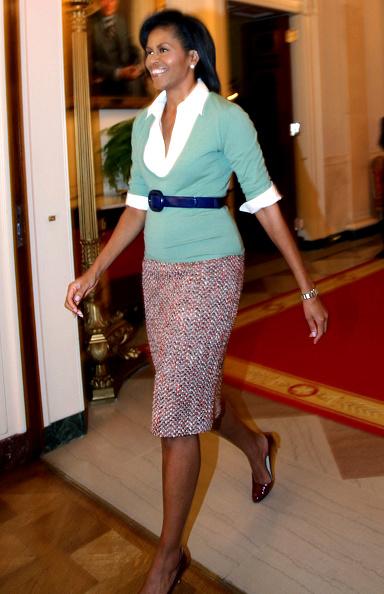 V-Neck「Michelle Obama Hosts DC School Children At White House」:写真・画像(8)[壁紙.com]