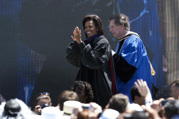 David Paul Morris「First Lady Michelle Obama Addresses UC Merced Commencement Ceremony」:写真・画像(9)[壁紙.com]