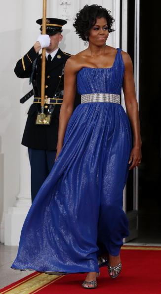 ドレス「Obamas Greet Mexican Counterparts As They Arrive For State Dinner」:写真・画像(9)[壁紙.com]