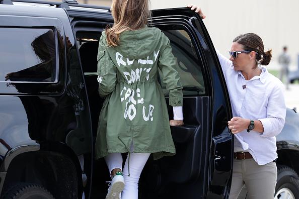 Coat - Garment「First Lady Melania Trump Visits Immigrant Detention Center On U.S. Border」:写真・画像(9)[壁紙.com]