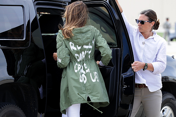 Parent「First Lady Melania Trump Visits Immigrant Detention Center On U.S. Border」:写真・画像(5)[壁紙.com]