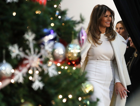 Christmas「Melania Trump Reads To Patients At DC Children's Hospital A Christmas Story」:写真・画像(6)[壁紙.com]