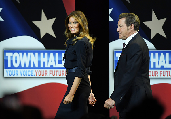 Chemical「First Lady Melania Trump Holds Las Vegas Town Hall Meeting On The Opioid Crisis」:写真・画像(14)[壁紙.com]