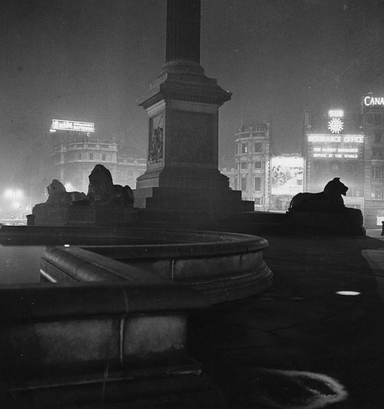 夜景「Trafalgar Square」:写真・画像(13)[壁紙.com]