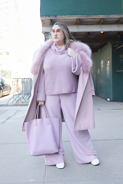 Achim Aaron Harding「Street Style - New York Fashion Week February 2019 - Day 3」:写真・画像(16)[壁紙.com]