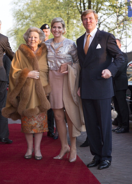Loafer「King Willem-Alexander, Queen Maxima and Princess Beatrix Of The Netherlands Attend Freedom Concert」:写真・画像(2)[壁紙.com]