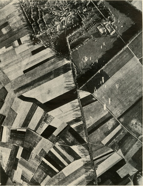 Full Frame「British Bombs On An Enemy Convoy」:写真・画像(1)[壁紙.com]