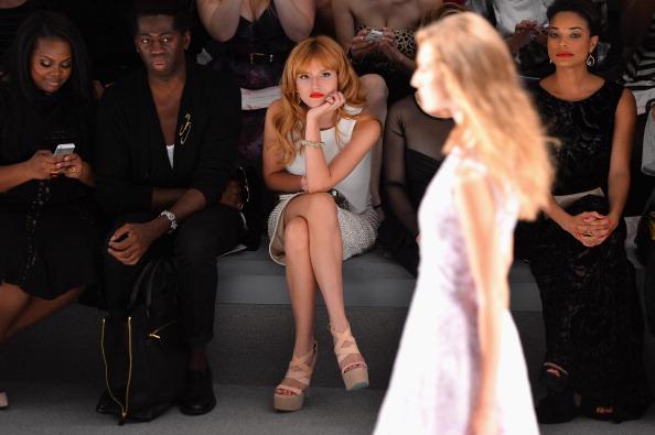 Stephen Lovekin「Tadashi Shoji - Front Row - Mercedes-Benz Fashion Week Spring 2014」:写真・画像(17)[壁紙.com]
