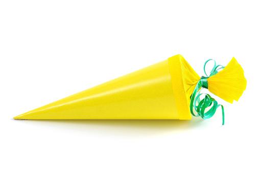Bunt「yellow Conical bag of sweets」:スマホ壁紙(17)