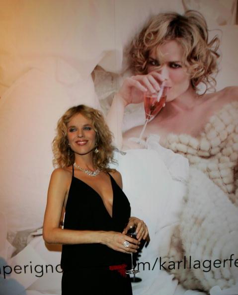 Drinking Glass「Dom Perignon Exhibition」:写真・画像(19)[壁紙.com]