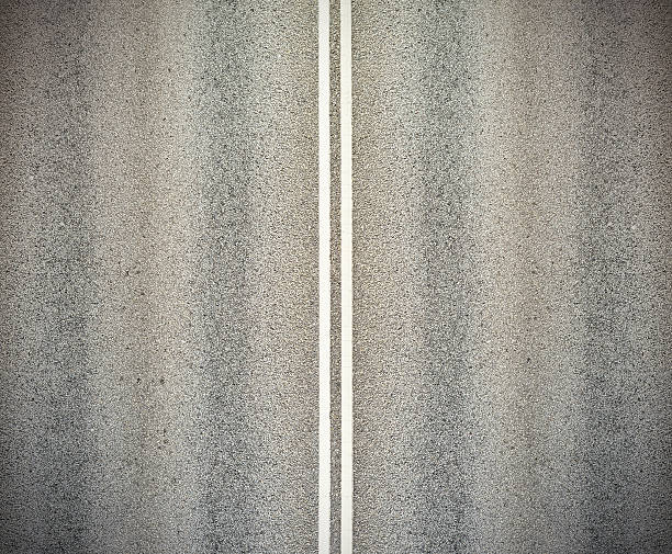 Road, and double white lines:スマホ壁紙(壁紙.com)