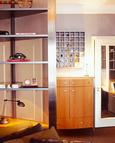 Desk Lamp「Shelving and Curio Cabinet Holding Collectibles」:スマホ壁紙(17)