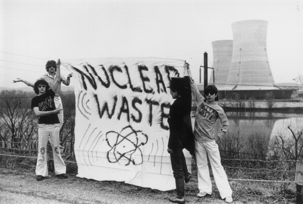 Crisis「Three Mile Island Protestors」:写真・画像(0)[壁紙.com]