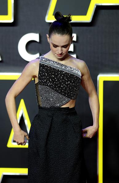 "Three Quarter Length「""Star Wars: The Force Awakens"" - European Film Premiere - Red Carpet Arrivals」:写真・画像(11)[壁紙.com]"