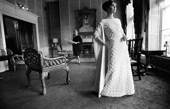 Evening Gown「Sybil Connolly」:写真・画像(3)[壁紙.com]