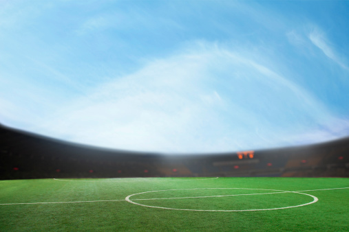 昼間「Digital composit of soccer field and blue sky」:スマホ壁紙(9)