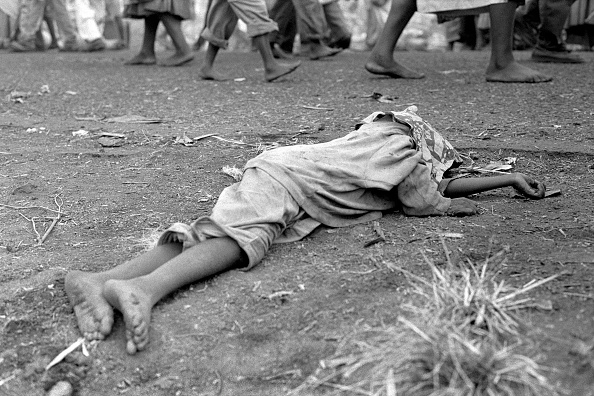 Footpath「Victims of the cholera outbreak of 1994 in Goma, Zaire」:写真・画像(14)[壁紙.com]