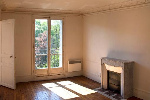 Old「Inside empty apartment」:スマホ壁紙(11)