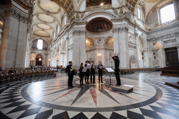St「Live Music Sculpture at St Paul's Cathedral」:写真・画像(17)[壁紙.com]