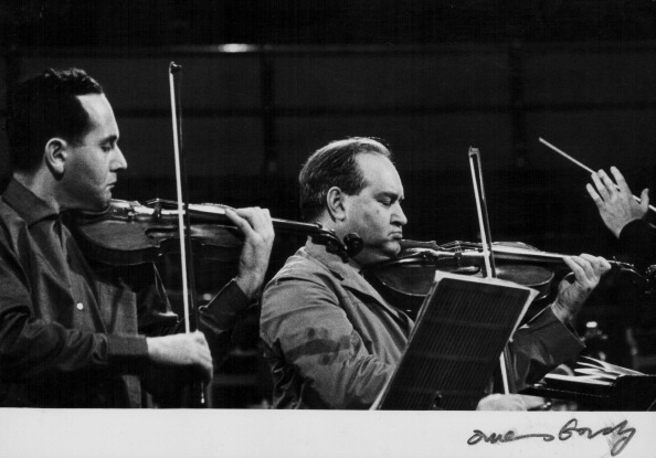 Erich Auerbach「Igor And David Oistrakh」:写真・画像(4)[壁紙.com]