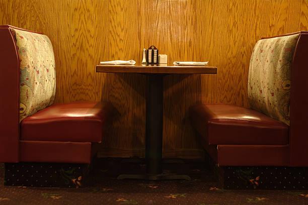 Diner table:スマホ壁紙(壁紙.com)