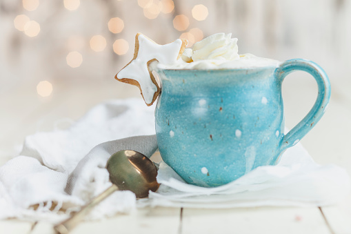 Cocoa「Hot chocolate with whipped cream and star shaped cookie」:スマホ壁紙(8)