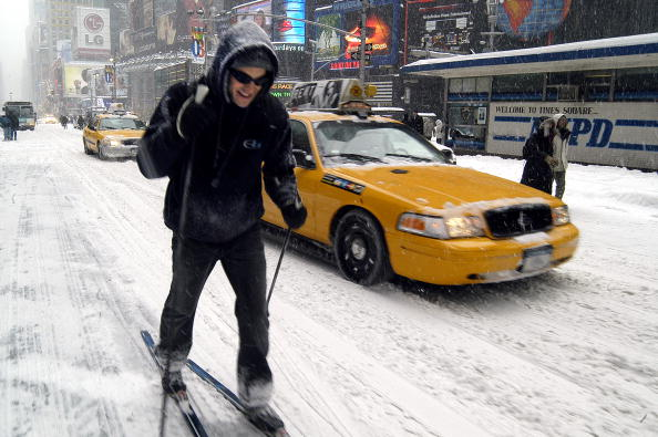 Graham Storm「Winter Storm Hits New York Area」:写真・画像(1)[壁紙.com]