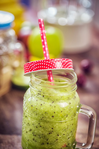 Kiwi「Freshly blended Green Smoothie」:スマホ壁紙(12)