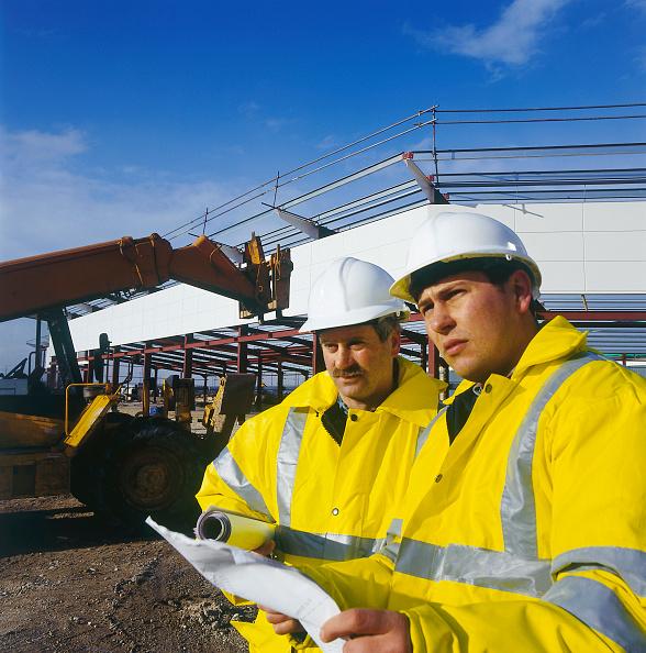 Caucasian Ethnicity「Executives inspecting a construction site」:写真・画像(15)[壁紙.com]