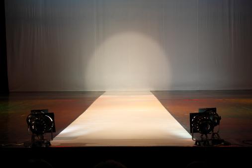 Catwalk - Stage「Empty catewalk stage lights」:スマホ壁紙(1)