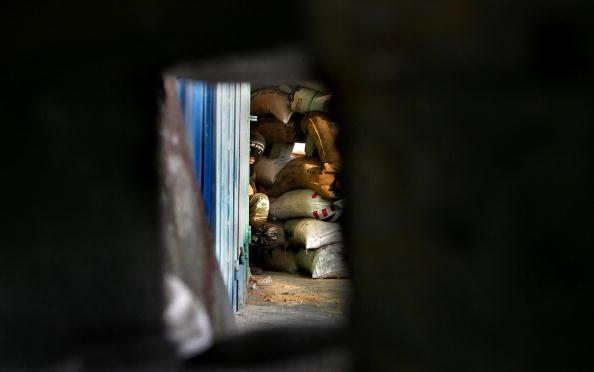 Sand Trap「Gaza Militants Continue to Resist Latest Israeli Incursion」:写真・画像(1)[壁紙.com]