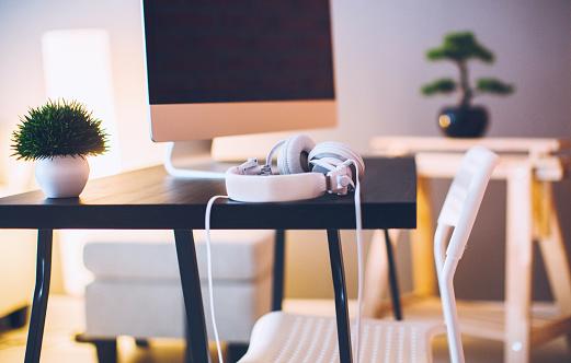 Headphone「Modern workplace」:スマホ壁紙(16)