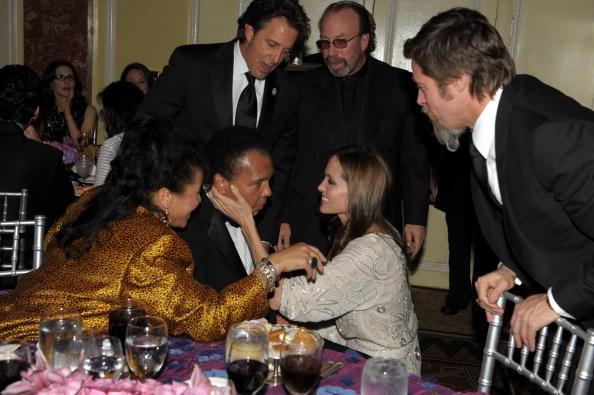 Boxer Brad Pitt「UNICEF Ball Honoring Jerry Weintraub - Inside」:写真・画像(2)[壁紙.com]