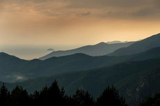 Atmosphere「Italy, Liguria, near Finale Ligure, landscape, stormy atmosphere」:スマホ壁紙(6)