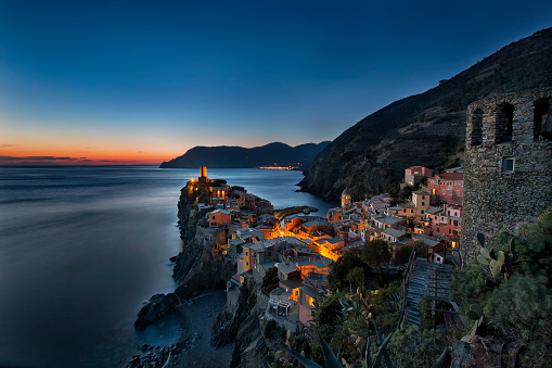 Perfection「Italy, Liguria, Cinque Terre, Vernazza after sunset」:スマホ壁紙(13)
