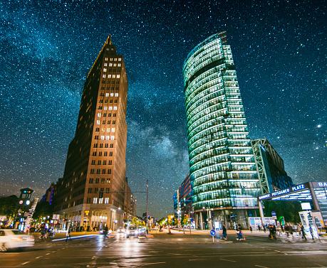 Avenue「Potsdamer Platz at night」:スマホ壁紙(13)