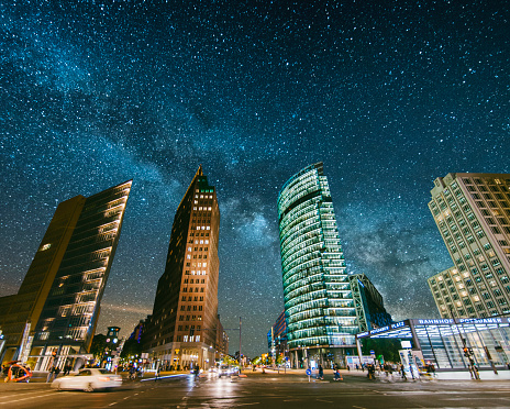 Avenue「Potsdamer Platz under the stars」:スマホ壁紙(14)