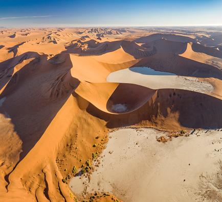 Namibian Desert「Big Daddy Dune with Dead Vlei, Sossusvlei, Namib Desert, Namibia, Africa」:スマホ壁紙(14)