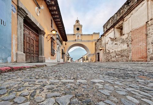 UNESCO「The Santa Catalina Arch, Antigua Guatemala, Sacatepequez, Guatemala, Latin America」:スマホ壁紙(7)