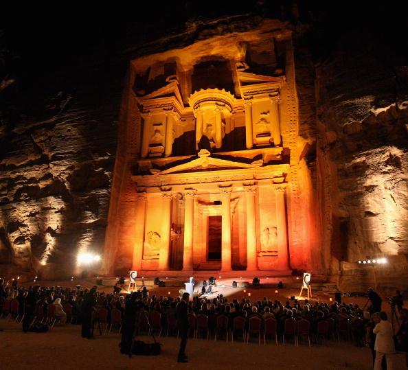 世界遺産「Salute Petra: Luciano Pavaotti Memorial」:写真・画像(5)[壁紙.com]