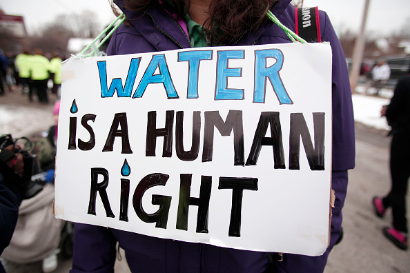 Water「Jesse Jackson Leads National March In Flint To End Water Crisis」:写真・画像(9)[壁紙.com]