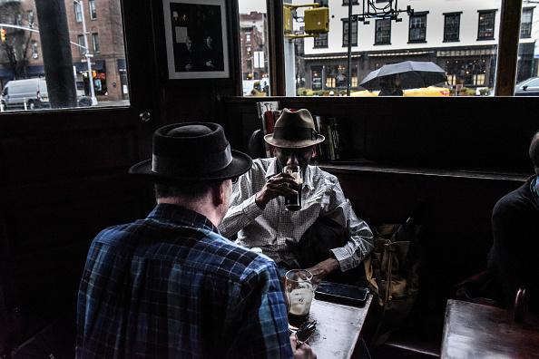 歴史「Protest Held At Iconic Greenwich Village Bar, The White Horse Tavern, Over Its Change Of Ownership」:写真・画像(3)[壁紙.com]