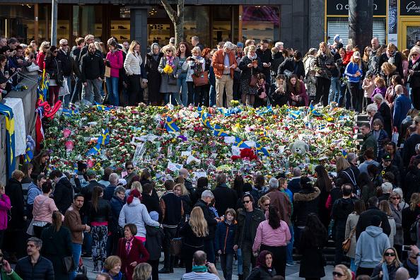 Stockholm「Tributes And Vigil For Victims Of Stockholm Truck Attack」:写真・画像(18)[壁紙.com]