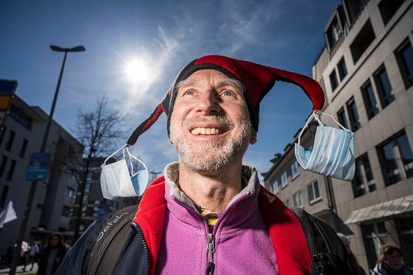 Thomas Lohnes「Coronavirus Skeptics Rally In Kassel」:写真・画像(3)[壁紙.com]