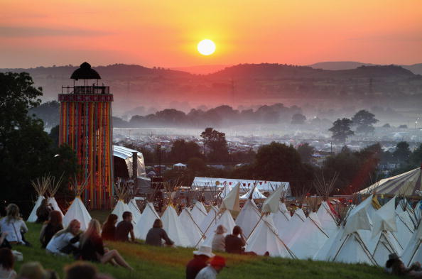Glastonbury - England「Fans Begin To Arrive For This Years Glastonbury Festival」:写真・画像(0)[壁紙.com]